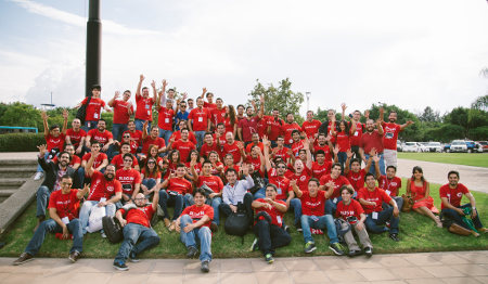 Staff from the 9th floor of Oracle MDC have fun and celebrate 5 years of Oracle in Mexico (hurray!)