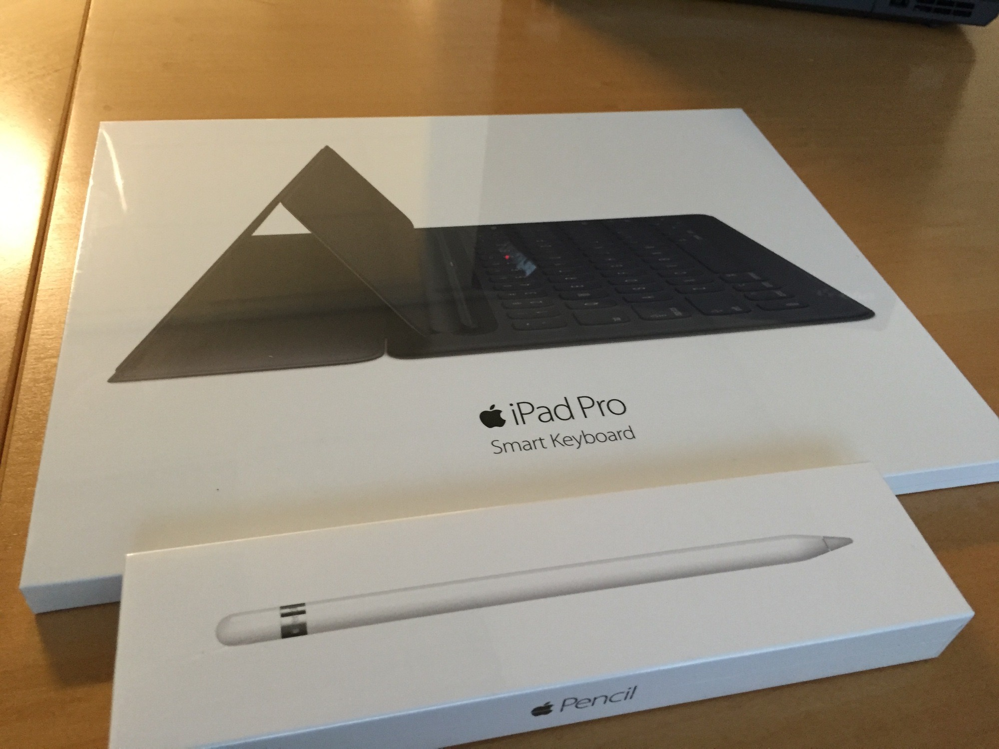 Smart Keyboard and Apple Pencil
